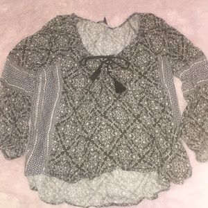 American Eagle blousy printed top